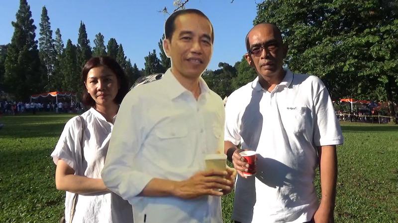 Hiburan Sambil Dekatkan Rakyat dengan Jokowi